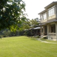 洋館前の芝生