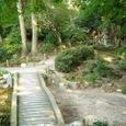 庭園を巡る遊歩道