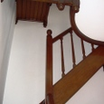 洋館の3階へ続く階段